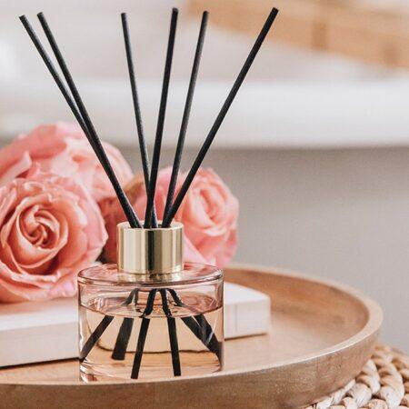 Duftpinde fra Maison Berger i farven Rosa med duft af Musk Flower
